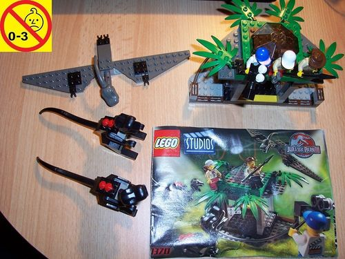 LEGO ® System / Studios / Jurassic Park III Set 1370 - Raptor Rumble Studio - mit Dino + BA gebr.