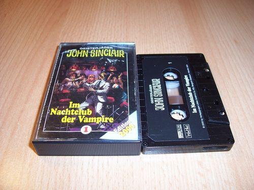 John Sinclair Hörspiel MC 001 1 Im Nachtclub der Vampire von SPV Edition 2000 schwarz gebr.